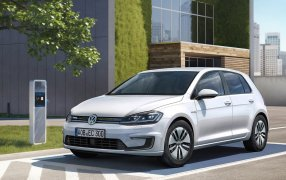 HMK TitleCarMatsBefore Volkswagen e-Golf.